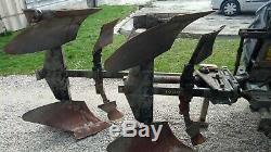 Matériel agricole charrue 2 fers, canadien 11 dents, moulin à farine